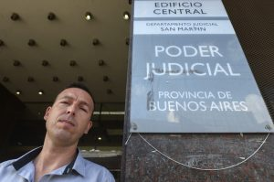 Entrevista a Andres, vidriero y presidente del jurado del primer juicio por jurados en Buenos Aires. Tribunal Criminal N° 5 de San Martín. 12 ciudadanos comunes absolvieron a un joven acusado de haber asesinado a su ex cuñado en 2014.