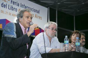 Devoto abrió la mesa de debate en la Feria.