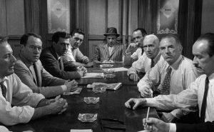Imagen de la famosa película Doce hombres en pugna.