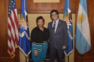 Garavano con Loretta Lynch, fiscal general de EEUU