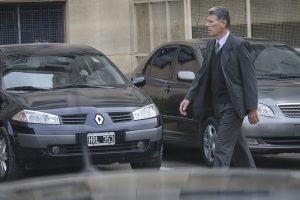 Adolfo Vitelli, ex jefe de la Policía de la provincia de Buenos Aires y comisario general retirado, antes de declarar en el juicio por el encubrimiento del atentado a la AMIA.