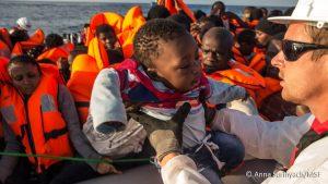 Con los refugiados en la nueva migración europea