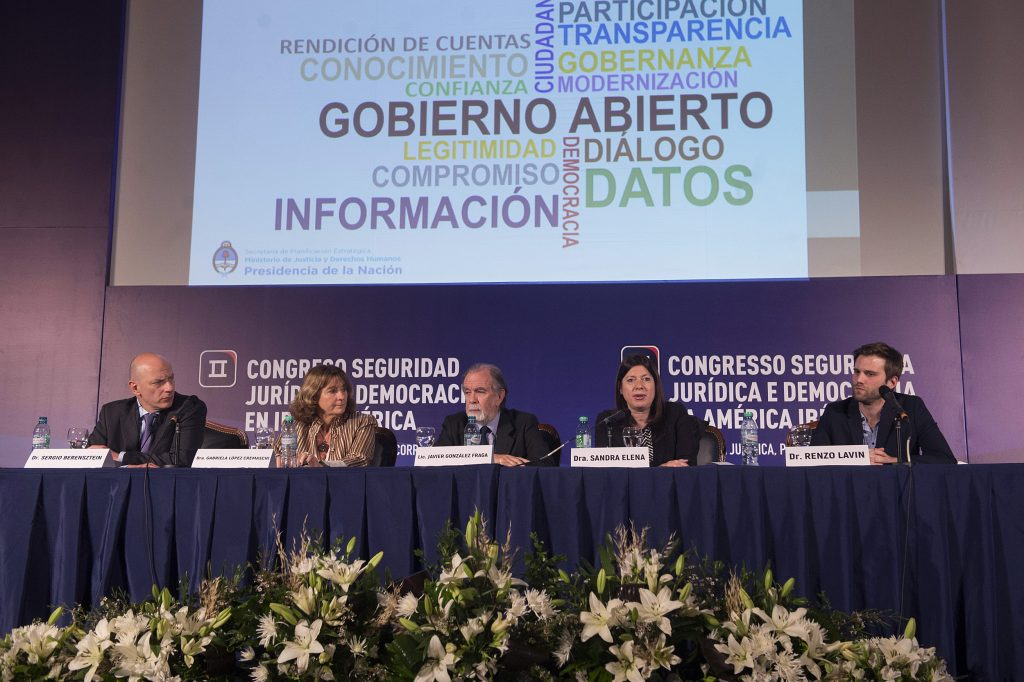 """El panel """"Acceso a la información pública y transparencia corporativa"""""""